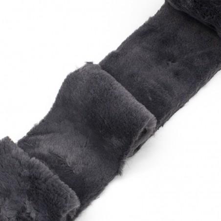 Bordo di pelliccia ecologica grigio